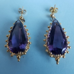18k Pear Cut Amethyst Dangle Earrings